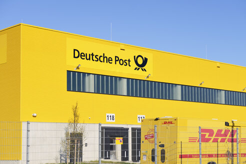 Germany, Neuss, distribution center of Deutsche Post - GUF000078