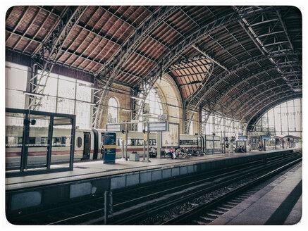 Germany, Hamburg, Dammtor station - KRP001209