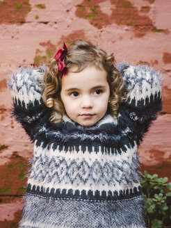 Portrait of girl with curly hair - RAEF000028