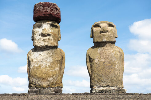 Chile, Easter Island, two moais at Ahu Tongariki - GEMF000027