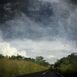 Mexicao, Puebla, country road, textured effect - DWI000414