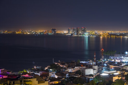 Mexico, Puerto Vallarta, at night,  Banderas Bay with view at Hotel Zone - ABAF001624