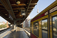 Germany, Berlin, S-Bahn station Hackescher Markt with driving commuter line - MEM000702