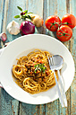 Spaghetti with Bolognese sauce, close up - MAEF009699