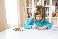 Little girl drawing - LVF002769