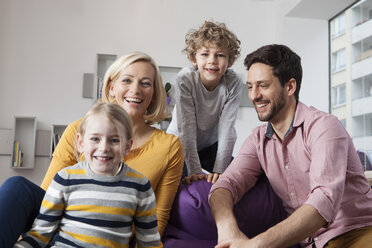 Portrait of happy family at home - RBF002401