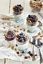 Homemade glutenfree nut granola, blueberries, Greek yogurt and maple syrup - SBDF001617