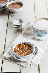 Creme brulee and bowl of cafe au lait - SBDF001601