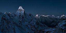 Nepal, Khumbu, Everest region, sunrise on Ama Dablam from Island peak - ALRF000052
