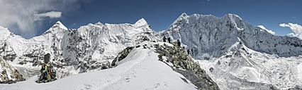 Nepal, Khumbu, Everest region, mountaineers on Island peak - ALRF000044