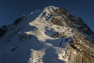 Nepal, Khumbu, Everest region, mountaineers on Lobuche peak - ALRF000066