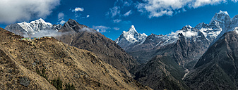 Nepal, Khumbu, Everest region, khumbu valley with Kantega, Ama Dablam and Nuptse - ALRF000074
