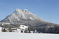 Austria, Upper Austria, , Salzkammergut, Fuschl am See, View to Schober mountain in winter - WWF003635