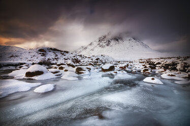 Great Britain, Scotland, Highland, Buachaille Etive Mor, dramatic sky - SMAF000301