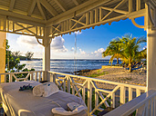 Caribbean, Jamaica, Runaway Bay, beach home for spa treatment - AM003766