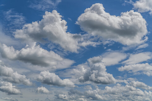 Germany, cumulus clouds - TCF004547