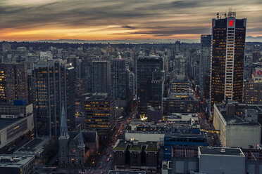 Canada, Vancouver, cityscape as seen from Harbour Centre - NGF000229