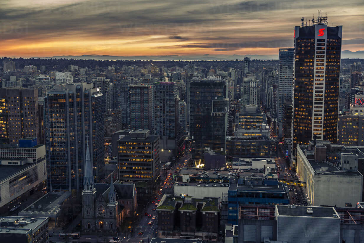 Canada, Vancouver, cityscape as seen from Harbour Centre - NGF000229 - Nadine Ginzel/Westend61