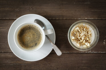 Cup of coffee and glass of vegan cocos pudding with banana and tapioca granules - EVGF001110