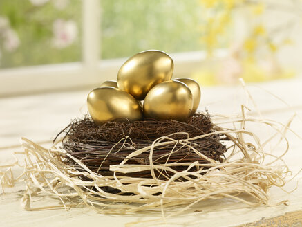 Eastern, Easter nest with golden eggs - SRSF000570