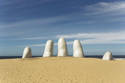 Uruguay, Maldonado, Punta del Este, Monumento los dedos - FP000031
