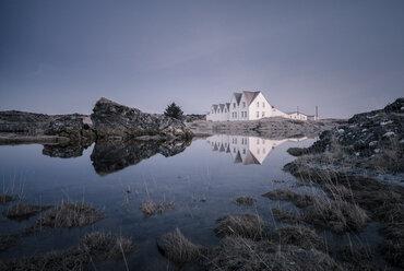 Iceland, Keflavik, Straumur, typical row houses at lake - STCF000089
