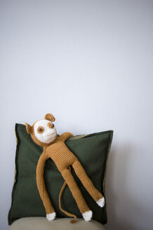 Crocheted toy monkey - GIS000030