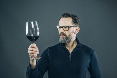 Man tasting red wine - IPF000197