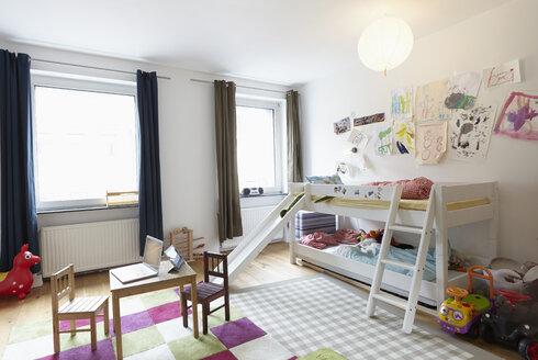 Interior of children's room - RHF000646