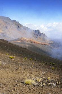 USA, Hawaii, Maui, Haleakala, clouds in the volcanic crater - BRF001065