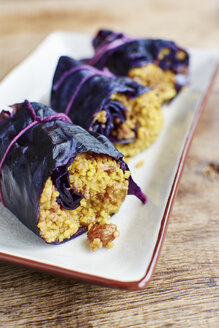 Stuffed read cabbage with millet, raisins and almonds - HAWF000671
