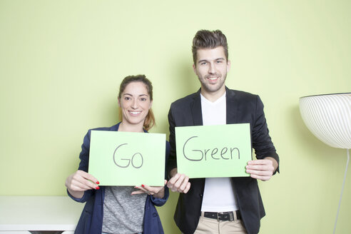 Two colleagues promoting Green Energy - PATF000037