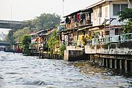 Thailand, Bangkok, houses at the water - STDF000149