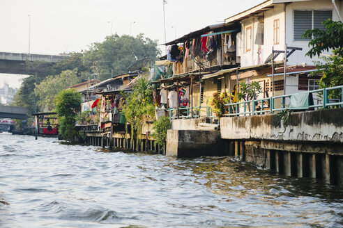 Thailand, Bangkok, houses at the water - STDF000149