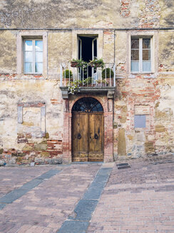 Italy, Tuscany, Montefollonico, old house - GSF000984