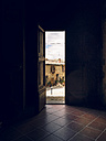 Italy, Tuscany, Montefollonico, view out of a church - GS000987