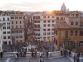 Italy, Rome, People at Piazza di Spagna - LAF001340