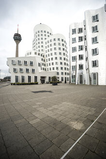 Germany, Duesseldorf, Gehry Houses at Media Harbour - CHP000102