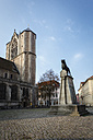 Germany, Brunswick, view to castle square with Brunswick Lion and Brunswick Cathedral - EVGF001348