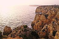 Portugal, Algarve, Lagos, rocky coastline - MRF001550