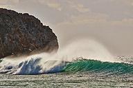 Portugal, Algarve, Sagres, Zavial Beach, wave - MRF001594