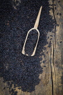 Black organic basmati rice in bowl - LVF003073