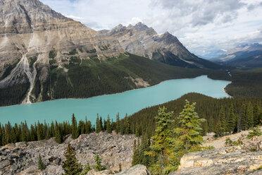 Canada, British Columbia, Banff National Park, Peyto Lake - KEBF000033