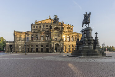 Germany, Dresden, view to Semper Opera House at Theatre Square - PVCF000367