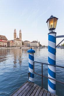 Switzerland, Zurich, River Limmat, Limmat Quai, mooring area, Great Minster in the background - WDF003004