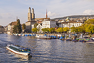 Switzerland, Zurich, view of city with tourboat on Limmat in the foreground - WD003029