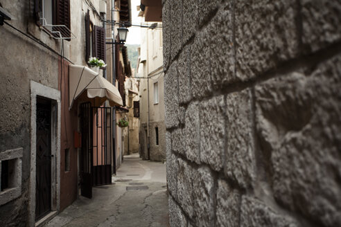 Croatia, Lovran, alley in the old town - ANHF000009