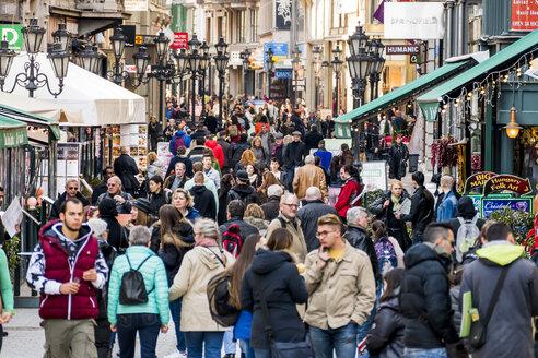 Hungary, Budapest, Vaci Utca shopping steet - EJW000729