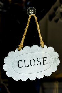 Close sign in a shop window - EJWF000736