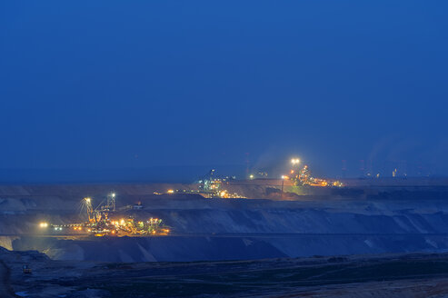 Germany, Juechen, brown coal mining Garzweiler at blue hour - FRF000233